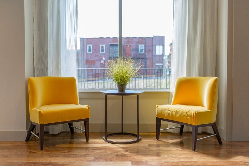 interior design rule about decluttering
