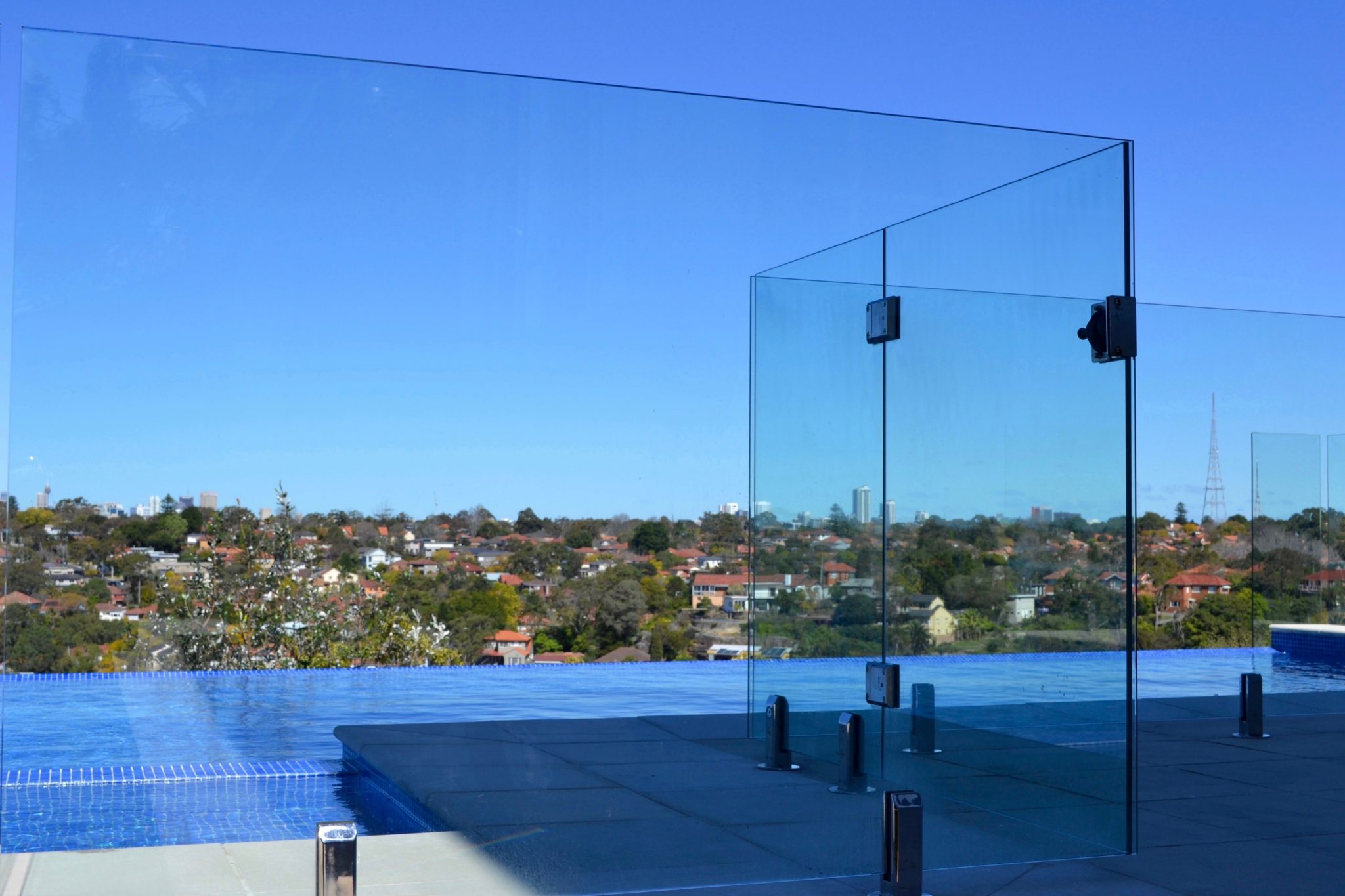 Glass pool fencing fx sydney review ratings information for Pool showrooms sydney
