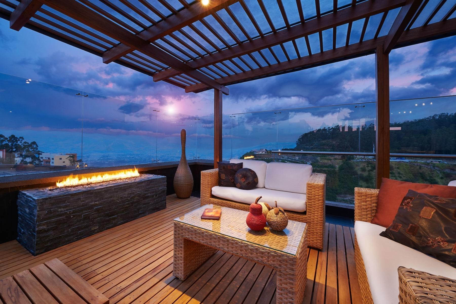 Outdoor Modern Terrace