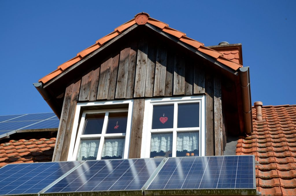 energy efficient solar home